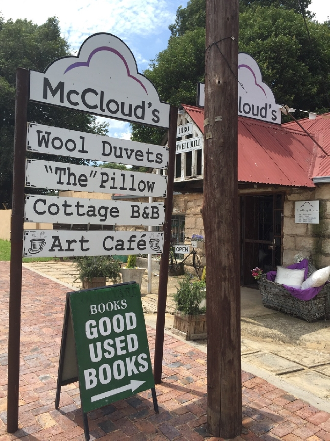 McCloud's breakfast café
